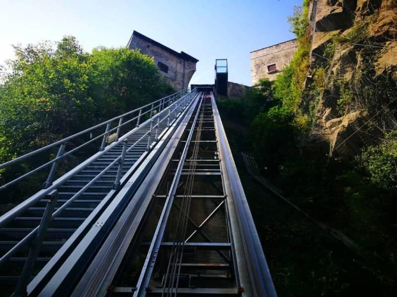 gli ascensori panoramici al forte di Bard