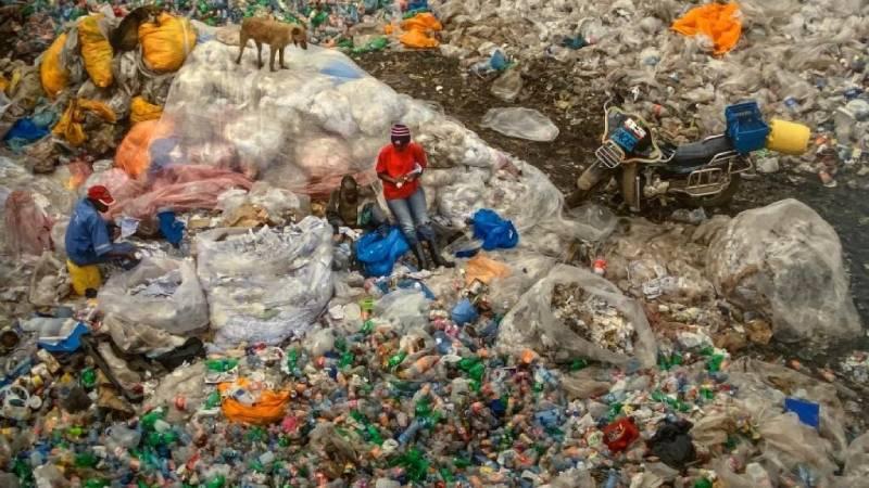 Discarica di Dandora, foto alla mostra Anthropocene al Mast a Bologna