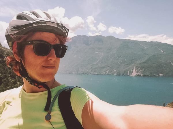 Cosa vedere a RIva del Garda: io in bici sul sentiero della Ponale