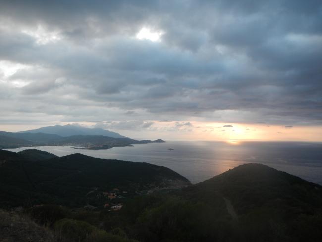 tramonto dalla strada verso Nisporto