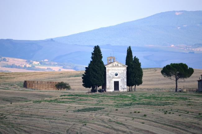 la bellissima Cappella della Madonna di Vitaleta
