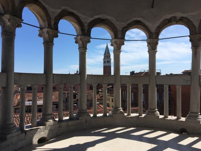 Venezia dall' alto: veduta dalla Scala Contarini del Bovolo