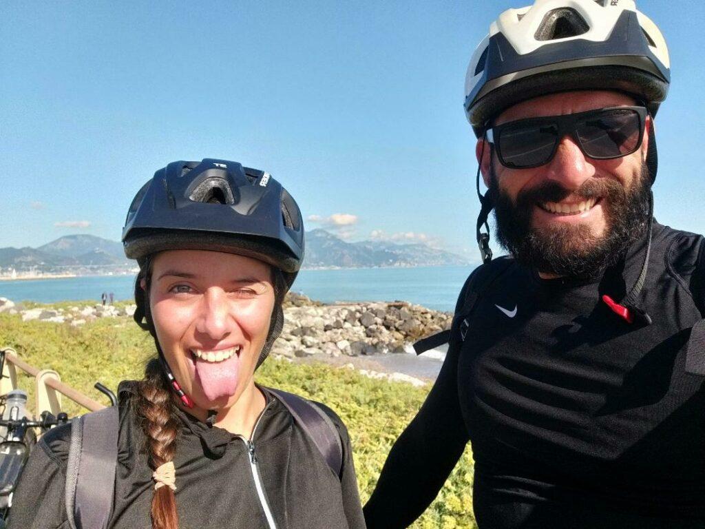 Emanuele e Jessica, i protagonisti della rubrica Viaggiare in bici.